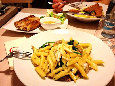 Skøn mad i enorme mænger hos Loving Hut