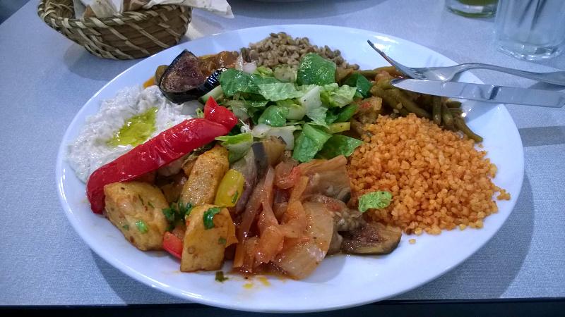 Masser af veganske lækkerier hos Ya Hala