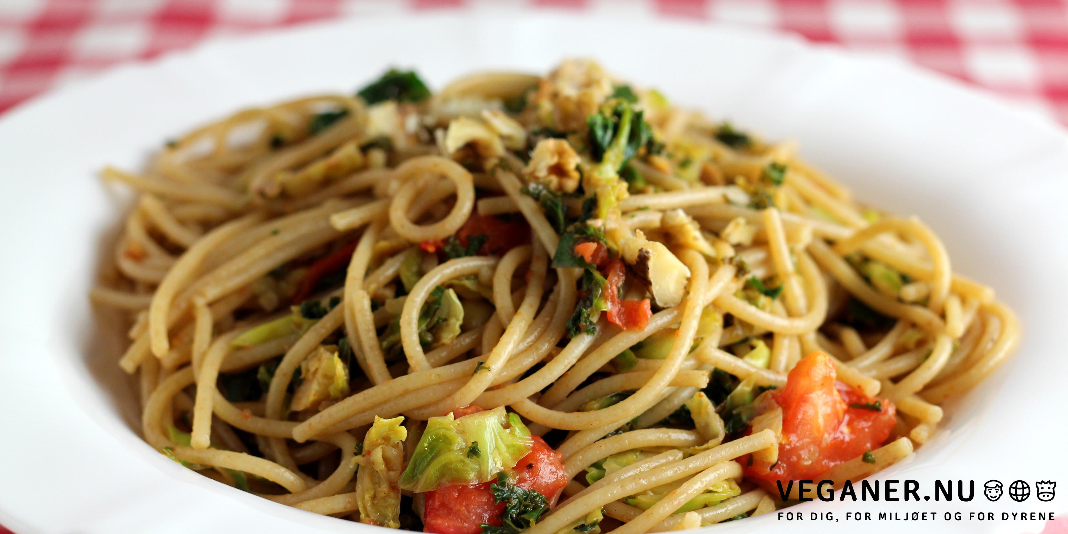 Veganer.nu-spaghetti med rosenkål, valnødder og citron